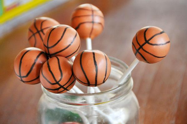 basketball-cake-pops